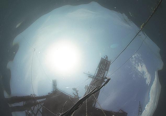 С помощью оптики ветровое волнение можно изучать даже из-под воды. Фото Александра Молькова.