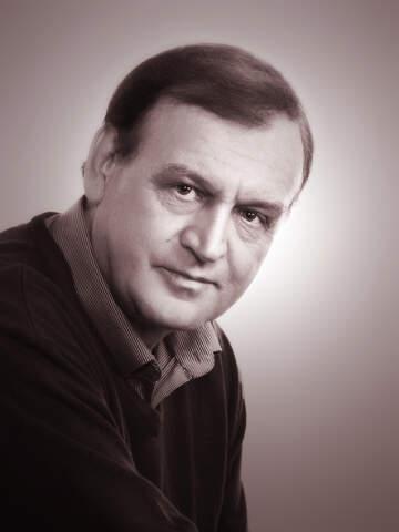 В. Навроцкий.