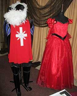 Яркие и удобные костюмы — одна  из важнейших составляющих спектакля